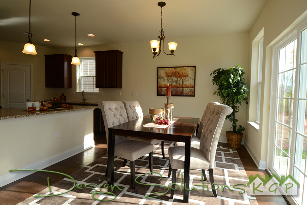 Dining Room open to Kitchen