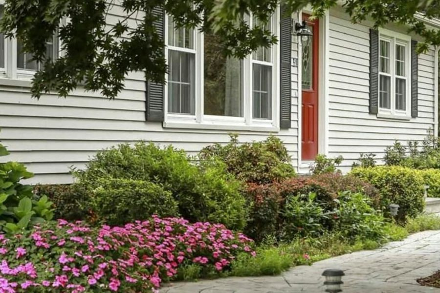 annuals increase curb appeal